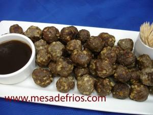 bolinhas de carne com castanha de caju