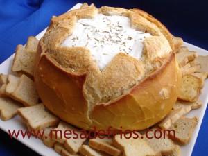 Pasta de ervas no pão italiano